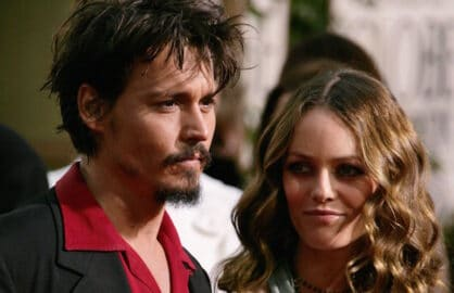 BEVERLY HILLS, CA - JANUARY 16: (L-R) Actor Johnny Depp and wife Vanessa Paradis arrives to the 63rd Annual Golden Globe Awards at the Beverly Hilton on January 16, 2006 in Beverly Hills, California.