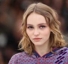 Lily-Rose Depp Defends Johnny Depp from abuse allegations