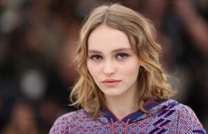 Lily-Rose Depp Defends Johnny Depp from abuse allegations