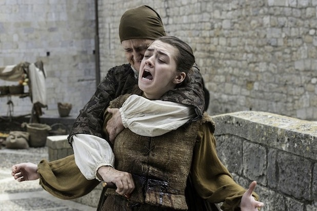 arya stabbed game of thrones