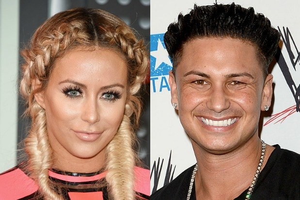 Aubrey Oday And Pauly D Really Hooked Up On Famously Single