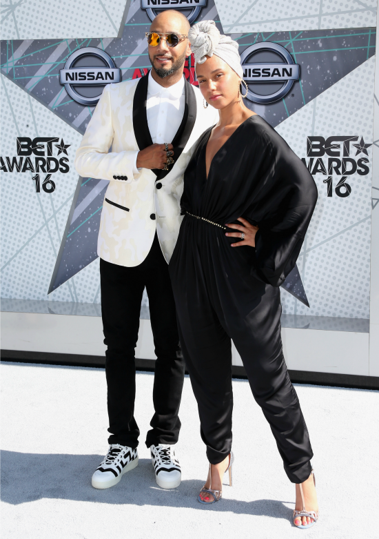swizz beatz alicia keys 2016 bet awards
