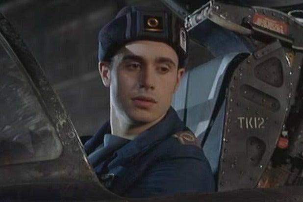 New resident evil trailer milla jovovich battles the for Wing commander
