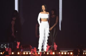 Brit Awards 2016 - Show Rihanna