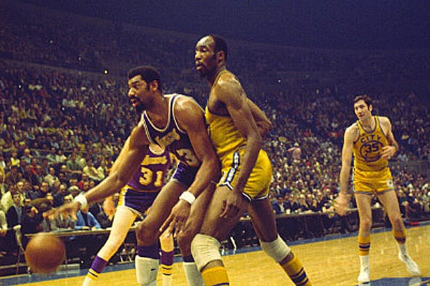 Nate Thurmond and Wilt Chamberlain
