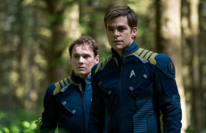 Star-Trek-Beyond_Yelchin_Pine