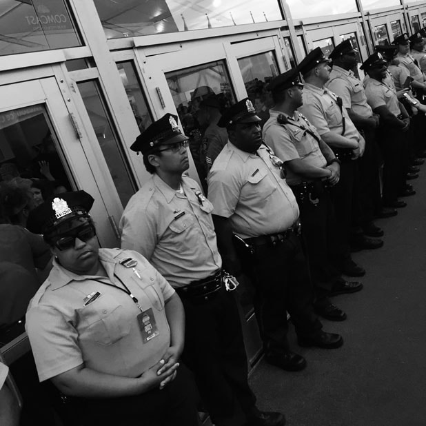 democratic convention dnc police cops