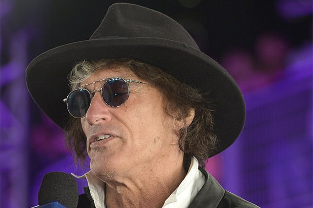 Joe Perry Collapses During New York Concert