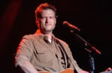 Blake Shelton apologizes for racist tweets