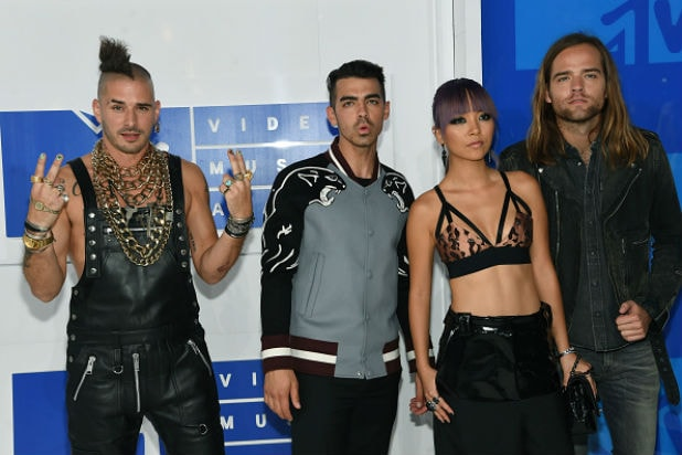 DNCE mtv video music awards