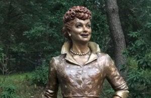 Lucille Ball bronze statue