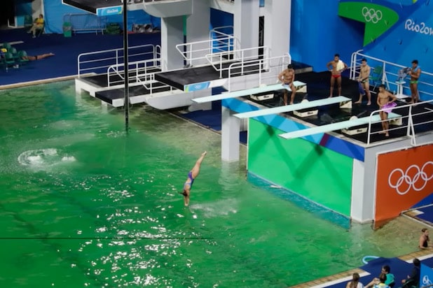 From green pool to missing pontoon, Rio's problems persist