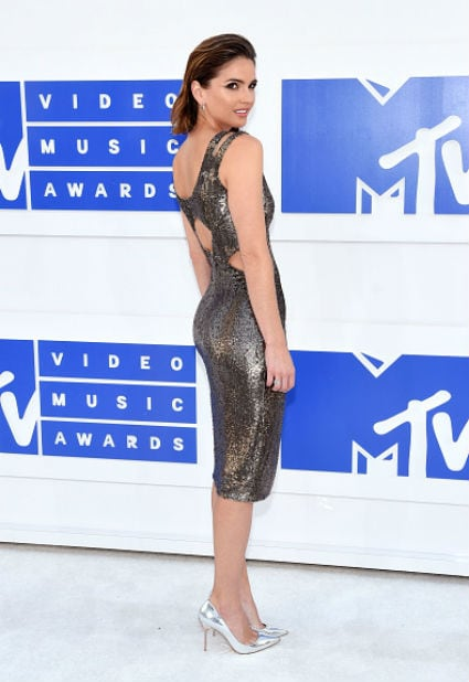 shelley hennig mtv video music awards