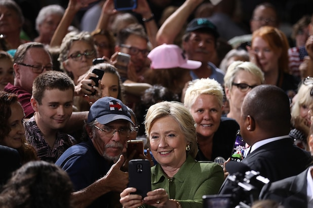 Hillary Clinton group selfie