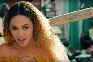beyonce hold up video youtube bat vma lemonade