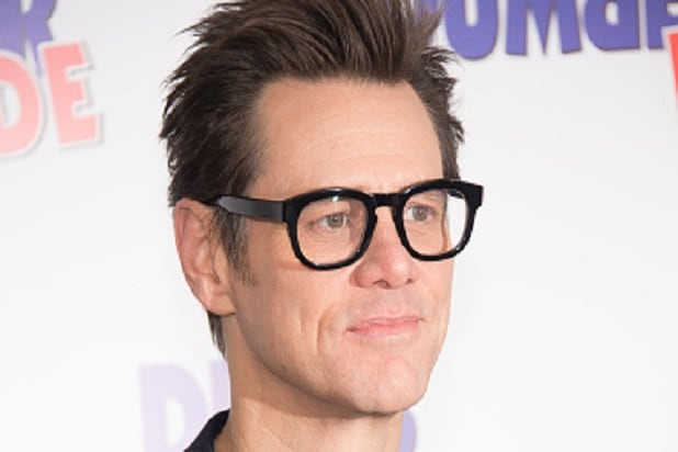 Jim Carrey's freakish red carpet interview is goes VIRAL