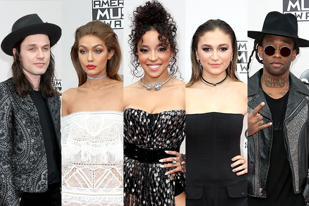AMAs 2016 Red Carpet Arrivals