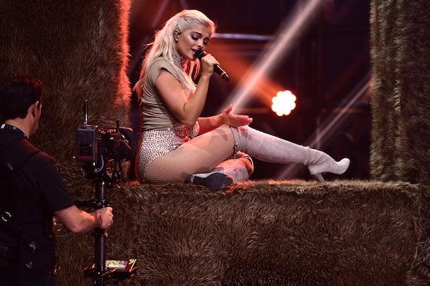 Bebe Rexha MTV EMA's 2016 - Show
