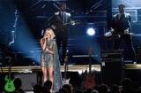 Carrie Underwood performing 2016 CMAsCarrie Underwood performing 2016 CMAs