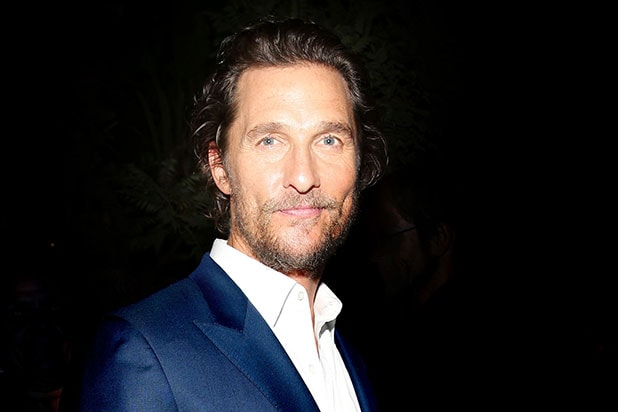Matthew Mcconaughey Delivers 4500 Turkeys To Families In Kentucky