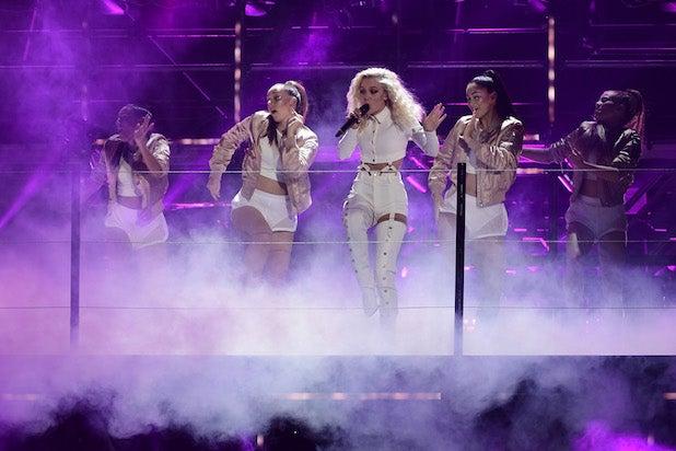 Zara Larsson MTV EMA's 2016 - Show