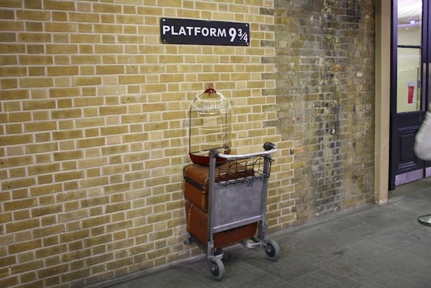 harry potter kings cross platform nine and three quarters