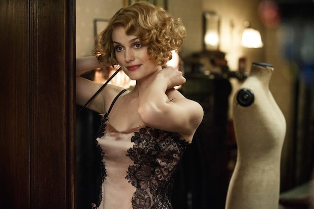 Fantastic Beasts and Where to Find Them Alison Sudol as Queenie Goldstein