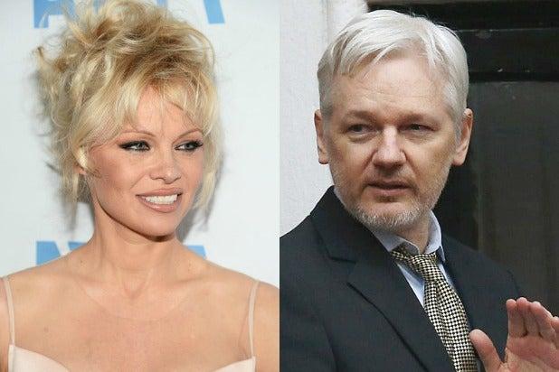 Pamela Anderson Julian Assange