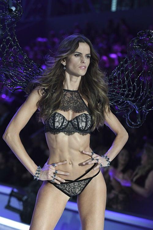 isabel goulart victorias secret fashion show