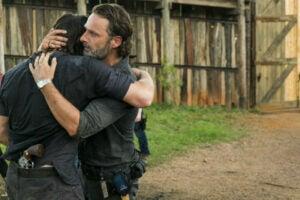 walking dead daryl rick hug