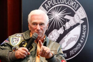 Eugene Cernan, Astronaut Who Carved Daughter's Name on Moon Surface, Dead at 82