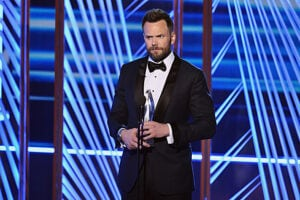 Joel McHale Peoples Choice Awards