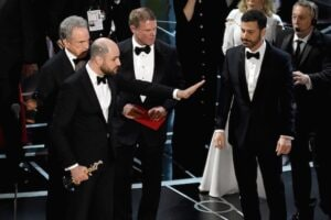 Oscars PwC envelope disaster