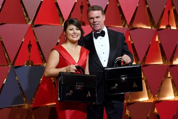 Oscars Stage Manager Details PwC Accountants' Incompetence