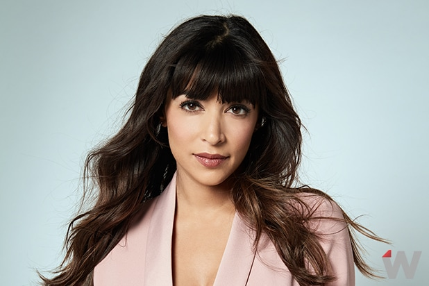 Is lamorne morris dating hannah simone measurement