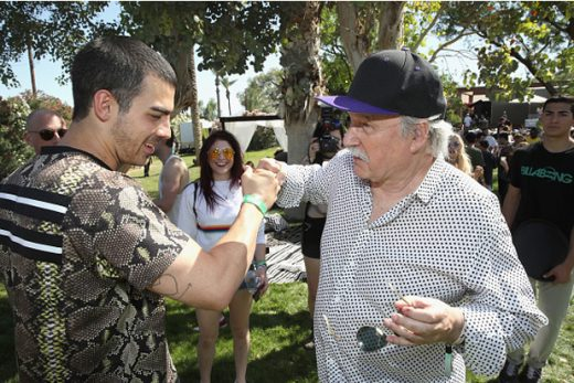 Coachella Saturday Pics - _0017_Joe-Jonas-and-Giorgio-Moroder-at-The-Hyde-Away
