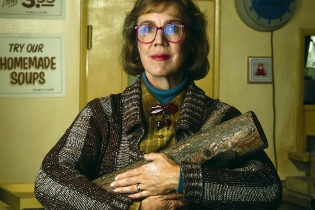 log lady catherine coulson twin peaks