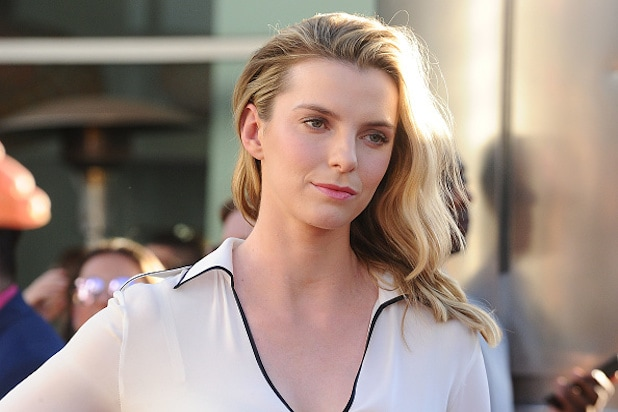 Betty Gilpin nude (34 photo) Gallery, 2019, braless