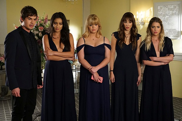 'Pretty Little Liars' Finale: Creator on Last-Minute ...