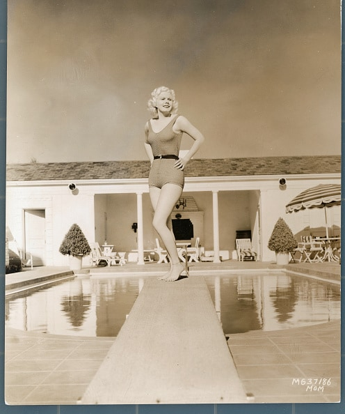 Jean Harlow Modeling Outfit