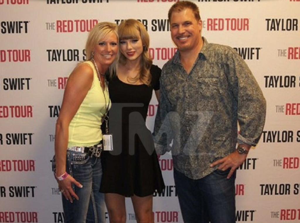 Taylor Swift Mueller TMZ