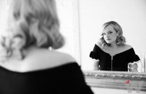 Elisabeth Moss, The Handmaid's Tale