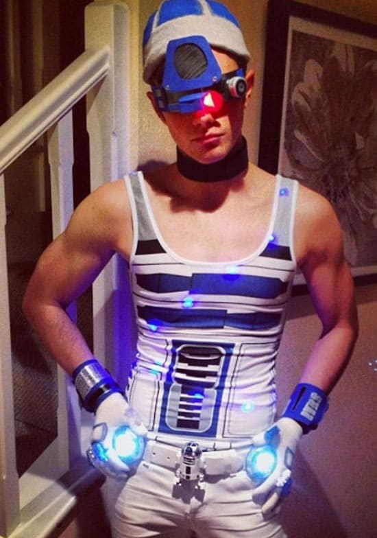 Chris Colfer R2D2