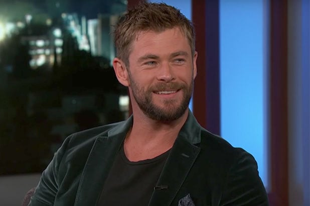 Chris Hemsworth Thor Ragnarok Men in Black
