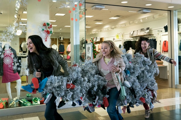 2e96d0986 'A Bad Moms Christmas' Film Review: Holiday Sequel Adds Moms, Loses Laughs