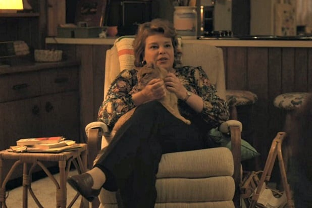 stranger things 2 characters ranked mrs henderson