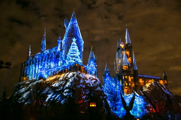 HARRY POTTER CHRISTMAS Hogwarts Castle