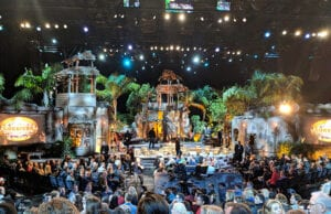 "A look inside the studio at CBS TV City during the live finale of ""Survivor: Heroes vs. Healers vs. Hustlers."" (Mikey Glazer)"