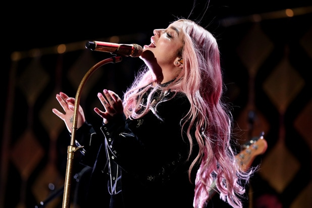 Kesha Jingle Ball