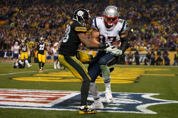 Rob Gronkowski v Pittsburgh Steelers